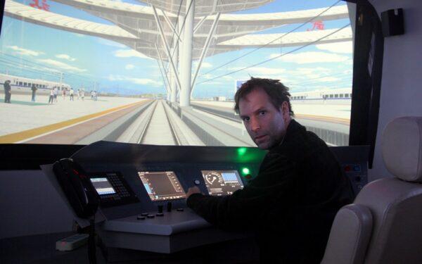 Im Bahnsimulator: Das kannst auch du im Eisenbahnmuseum Peking erleben.