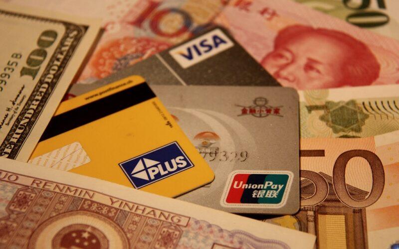 Kreditkarten und Bargeld: Eine gute Mischung in China.