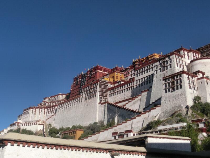 Der Potala-Palast in Lhasa: Ein wichtiges Ziel für die meisten Reisen nach Tibet. Fotos: Sebastian Kühn