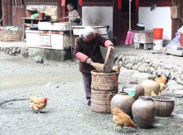 Traditionelles Leben in den alten Gebäuden