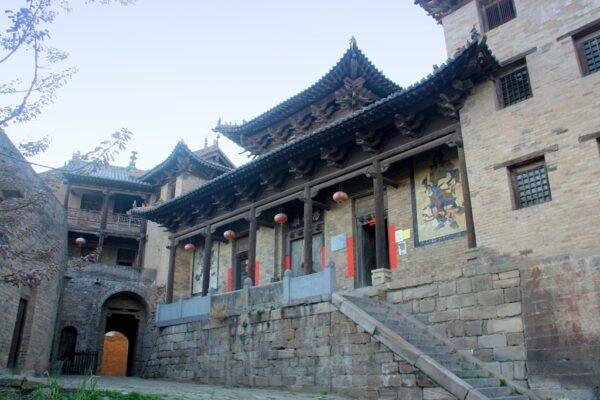 Der Tang-Tempel in Guoyu: Eine von vielen kleinen Juwellen im halb zerfallen Ort.