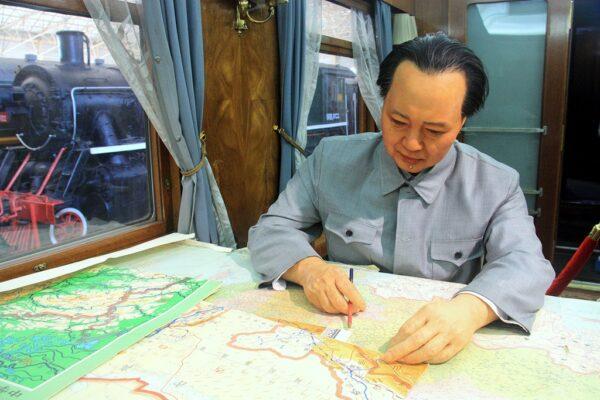 """Mao Zedong in seinem Wagon: Ohne den """"Grossen Vorsitzenden"""" geht es auch im Eisenbahn-Museum nicht..."""