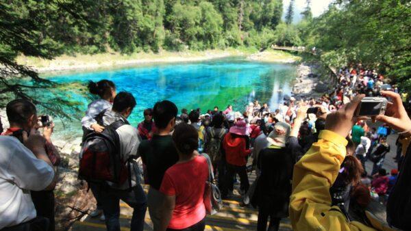 Die farbenfrohen Seen von Jiuzhaigou sind ein Besuchermagnet.