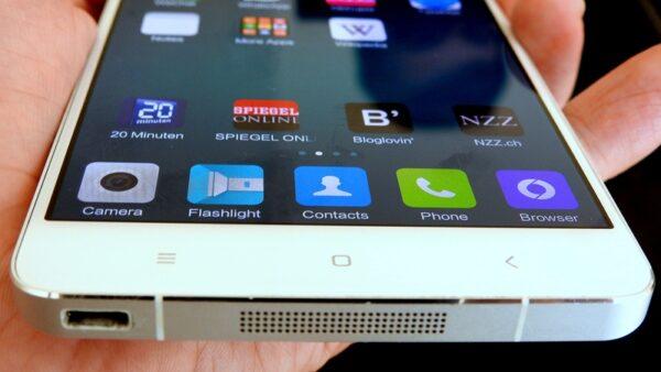Schlankes Design und hochwertiger Alu-Rahmen: Auch nach vier Monaten intensiver Nutzung sieht das Xiaomi Mi Note noch gut aus.