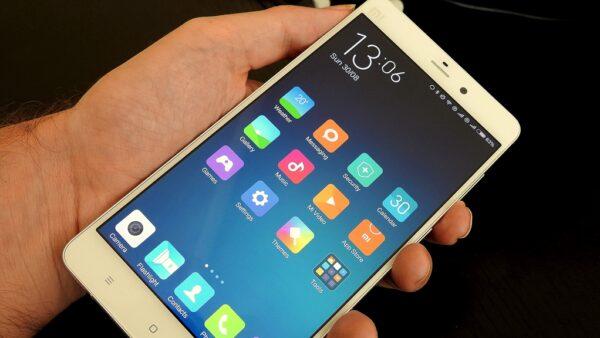 """Kraftvolles """"Phablet"""": Das Xiaomi Mi Note. Fotos: O. Zwahlen"""