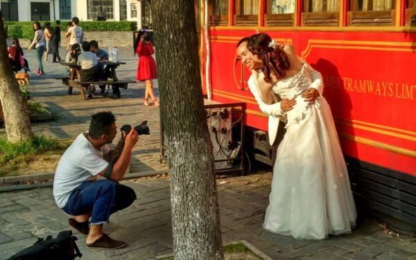 Thames Town ist eine beliebte Kulisse für Hochzeitsfotos.