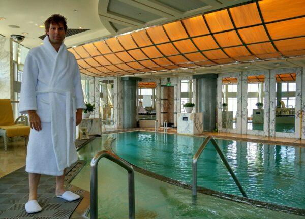 Ehemaliger Weltrekord: Der ehemals höchste Pool der Welt.