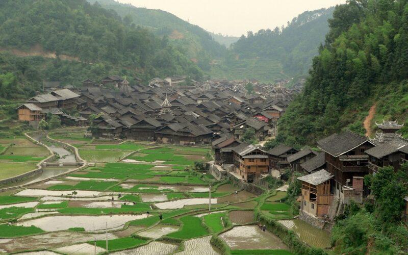 Das kleine Dorf Zhaoxing mit seinen fünf Trommeltürmen.