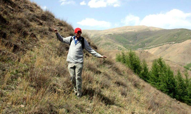 Balanceakt an einem weniger steilen Teil des Berges.