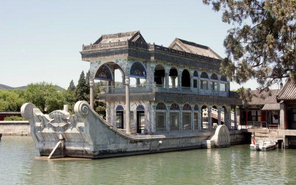 Das bekannte Marmorboot im Kunmingsee.